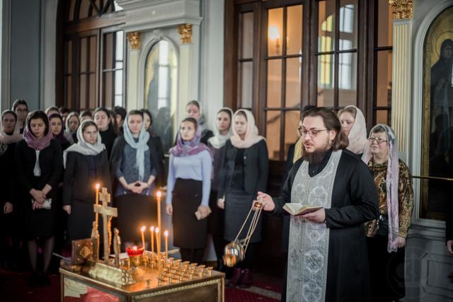 Студенты Факультета церковных искусств молились о упокоении Н. И. Петуховой