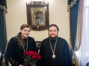 5 ноября Владыка Серафим поздравил с юбилеем помощника проректора по культуре Анну Петровну Сологуб.
